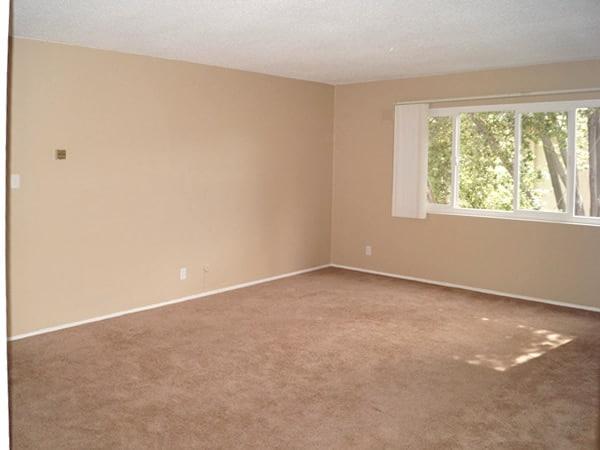 2 bedroom upstairs, living room
