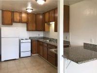 Studio apartment kitchen & breakfast bar
